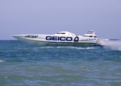 superboat vee extreme.2nd.geico caveman.103